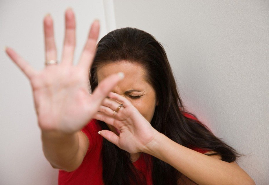 新兵女友接到陌生男子視訊電話,令她頭皮發麻。示意圖/ingimage