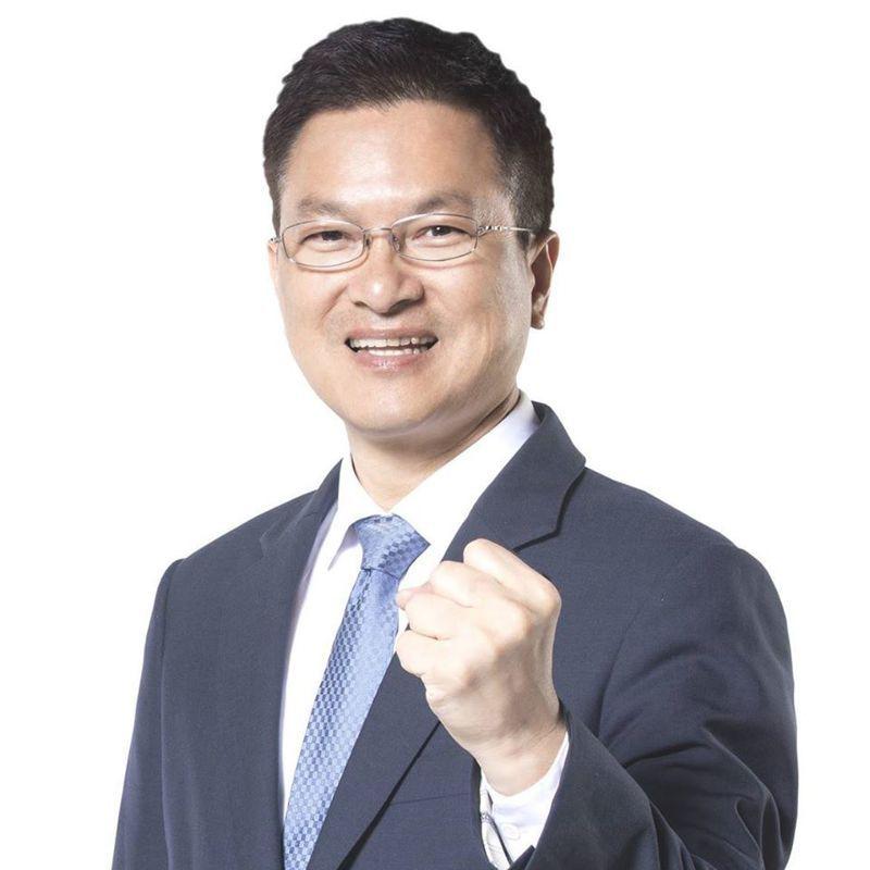 台灣自來水公司董事長魏明谷。圖/擷取自魏明谷臉書