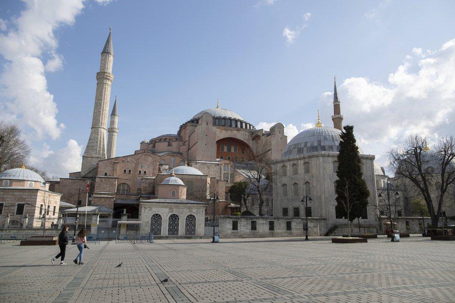 一名網友PO文提到,他認為撇開這次的疫情不談,其實「土耳其」這個國家本身就有相當多的風險,但他不明白為何依然有那麼多人願意去土耳其觀光。 圖/歐新社