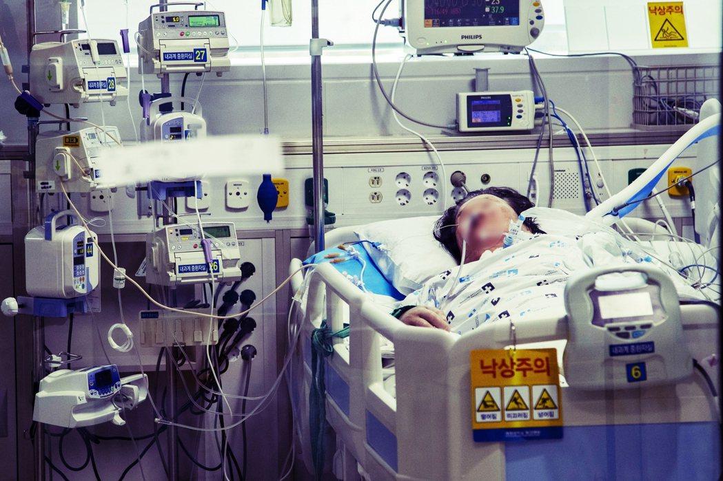 在疫情達到高峰後,又能快速趨於安定,是值得借鏡的範例。截至目前為止,南韓受檢驗者...