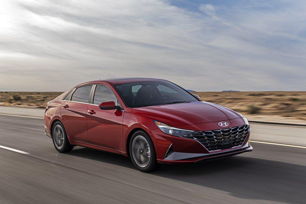 如同去年三月登場的第八代Hyundai Sonata,大改款Elantra也採用...