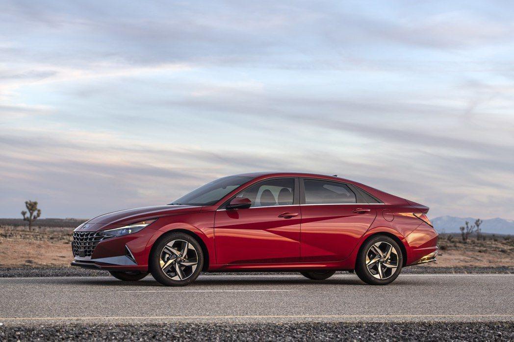 第七代Hyundai Elantra改採Four-Door Coupe的類轎跑設...