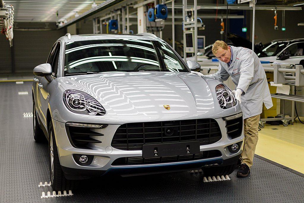 受新冠病毒影響,德國跑車廠保時捷也宣布暫停生產新車。 圖/Porsche提供