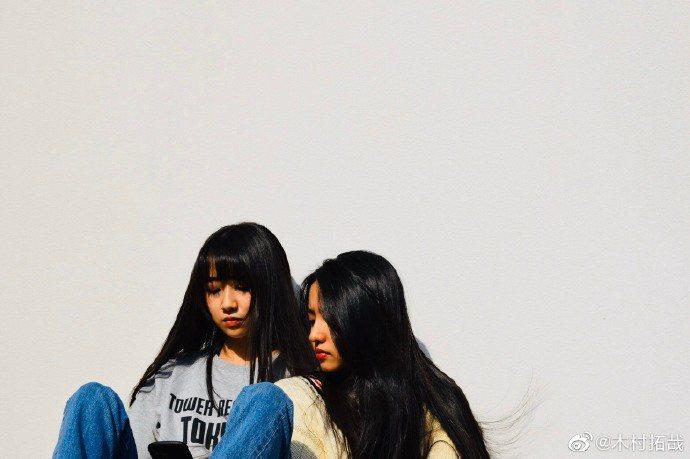 木村拓哉貼女兒合照,慶祝木村心美出道。圖/摘自微博