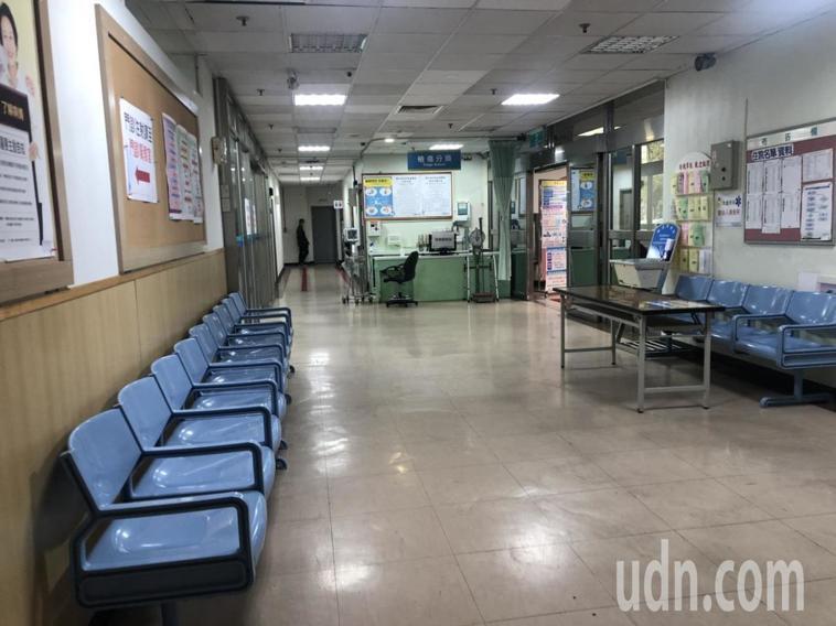 各大醫院最近少了職業看病族,醫院顯得空蕩,但醫護人員直言「這才是醫院該有的樣子」...