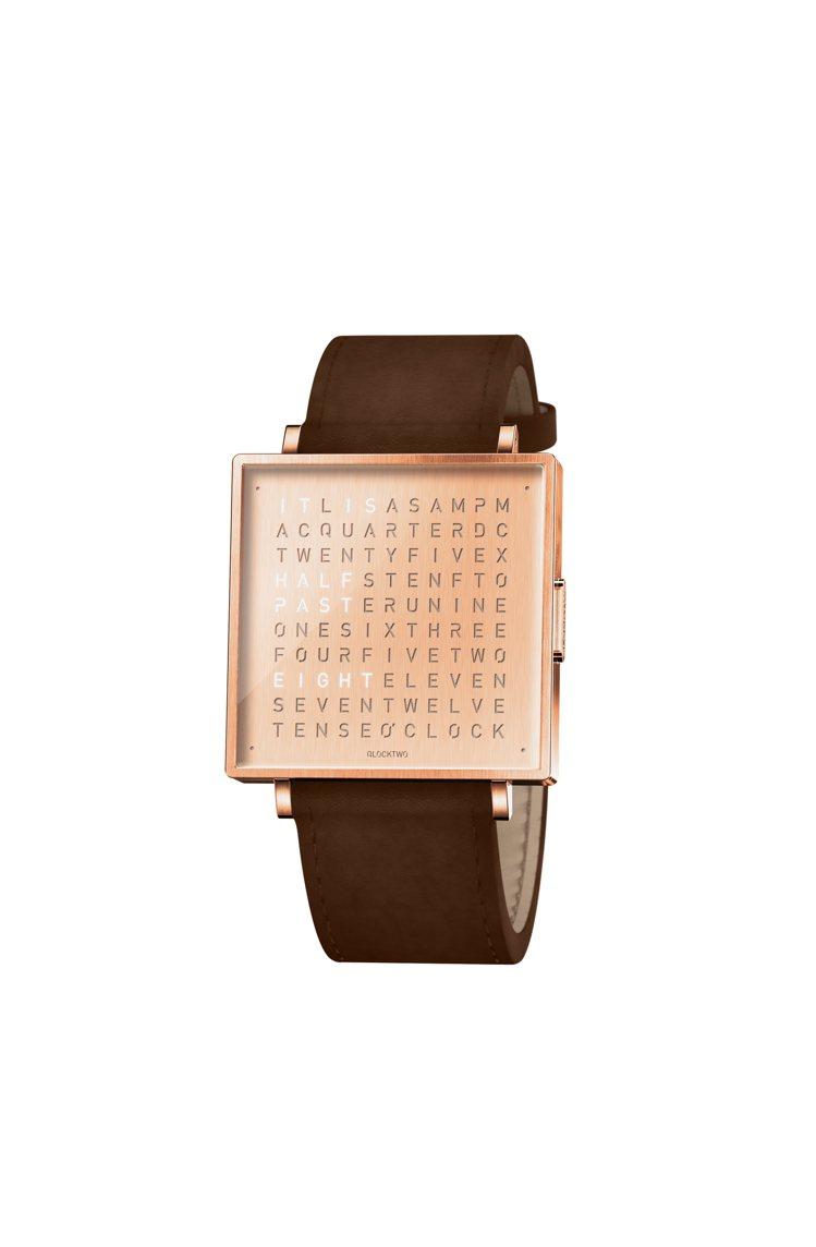 QLOCKTWO,W系列腕表,經玫瑰金PVD鍍膜的精鋼材質,35毫米,時間顯示,...