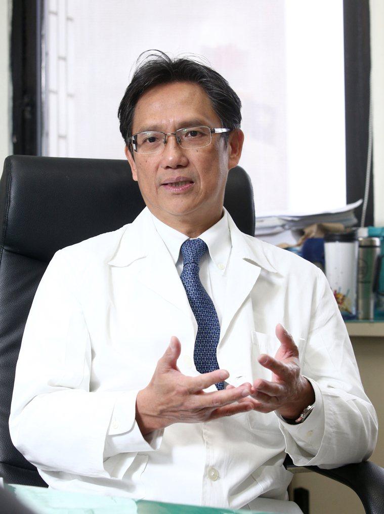 台北榮總胸腔外科主任許瀚水指出,癌症患者的營養補充愈來愈被醫界重視,嚴重營養不良...