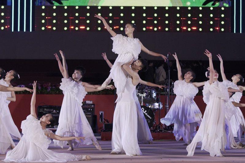 藝文團體大受疫情波及,台中市文化局推「藝文紓困3+2」。圖/中市文化局提供