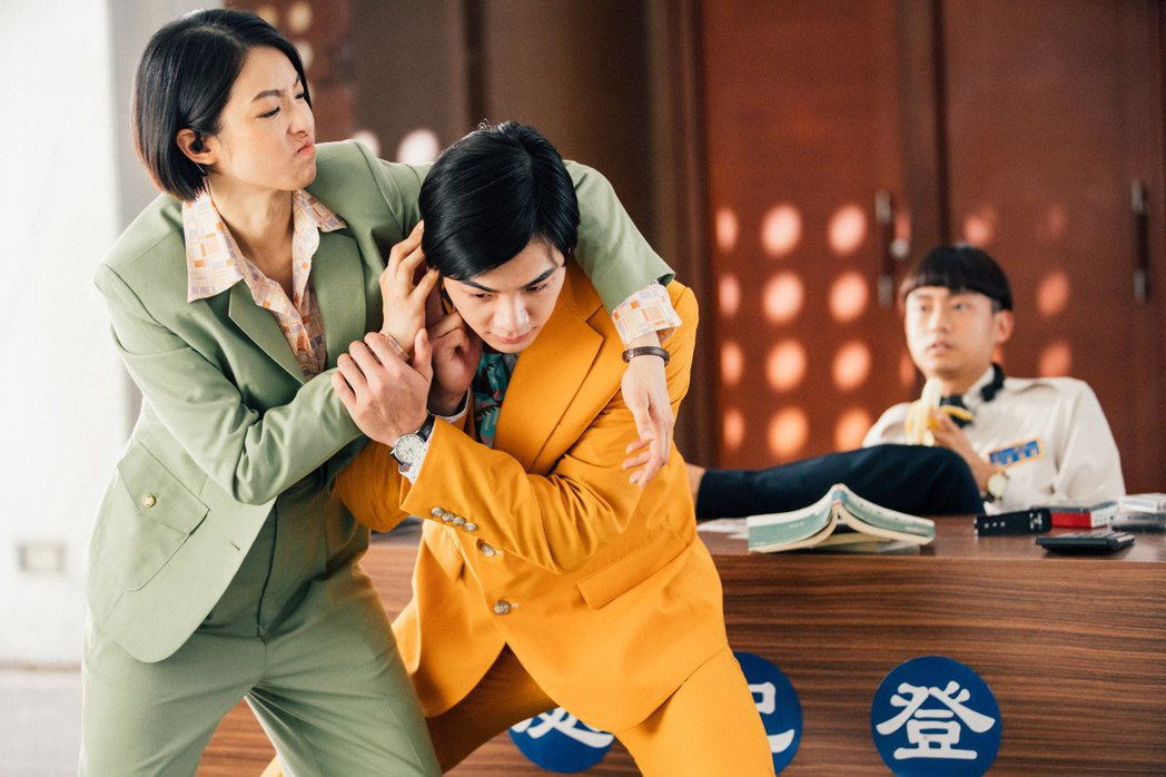 禾浩辰、賴雅妍(左)主演「逃出立法院」延期上映。圖/華映提供