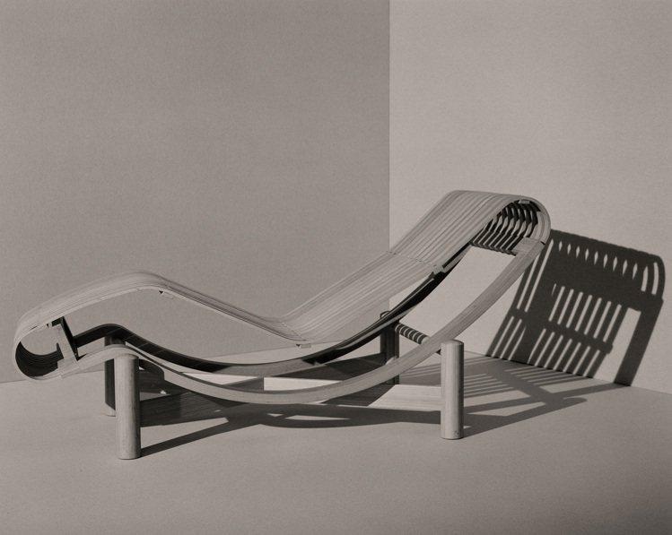 法國著名現代主義設計師夏洛特.貝里安,設計只為了提供更舒適的生活與質感。圖/Ae...