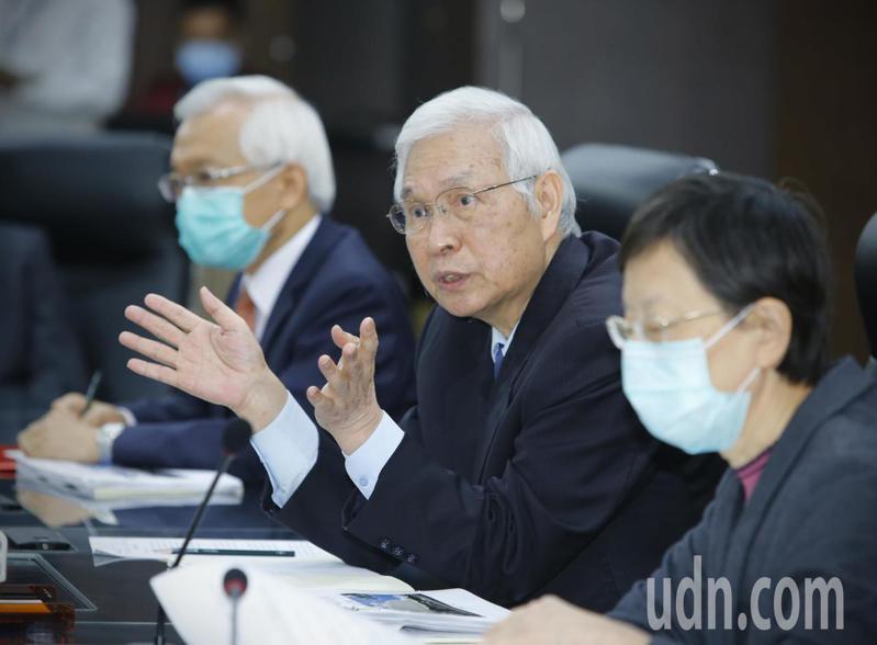 央行理監事會議今天宣布降息1碼。記者陳柏亨/攝影