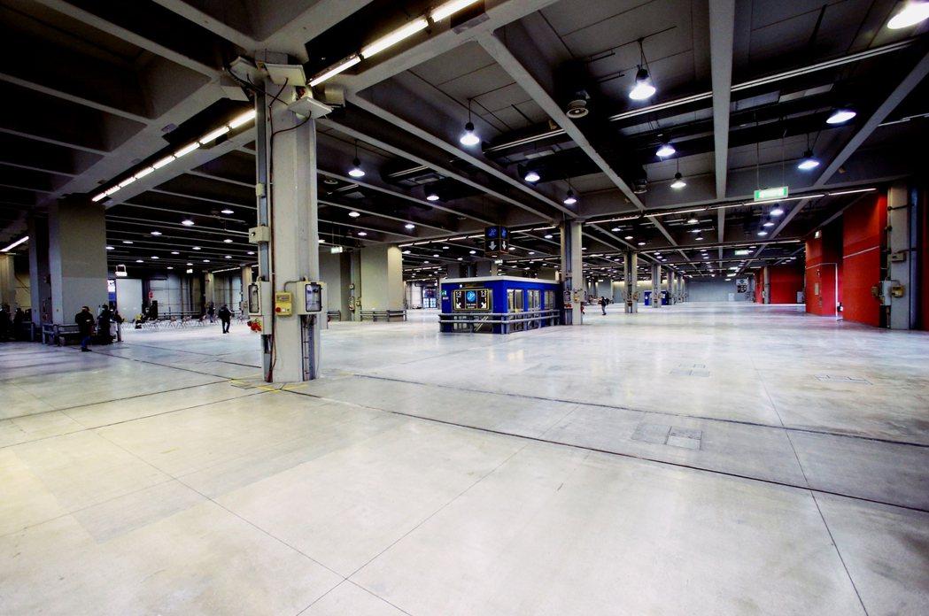 米蘭的展館中心改建,參考「武漢式火神山」醫院模式。 圖/歐新社