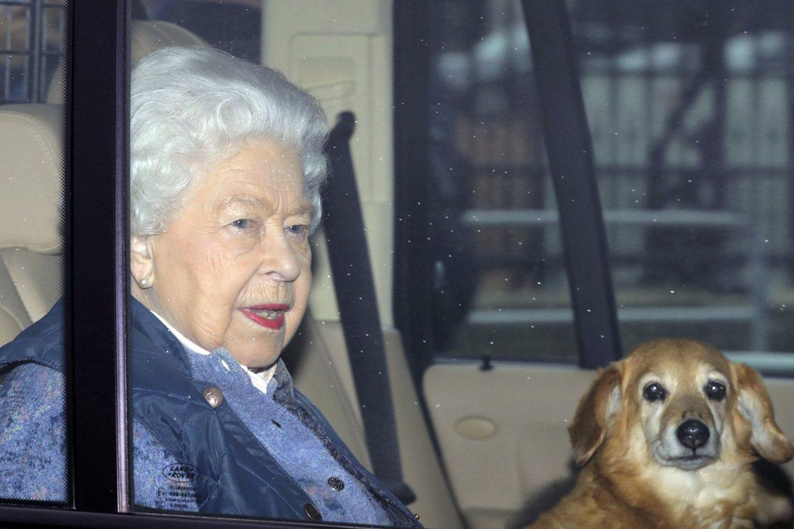 19日離開白金漢宮的女王。 圖/美聯社