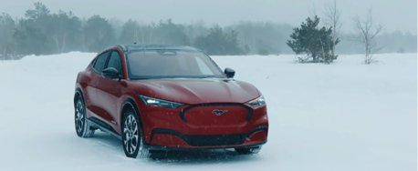 影/Ford Mustang Mach-E雪地上也很high!