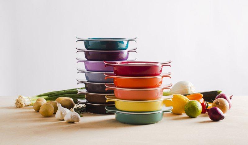 瑞康屋2020年最新款「卡樂芙鍋」,繽紛多彩。 圖/瑞康屋提供
