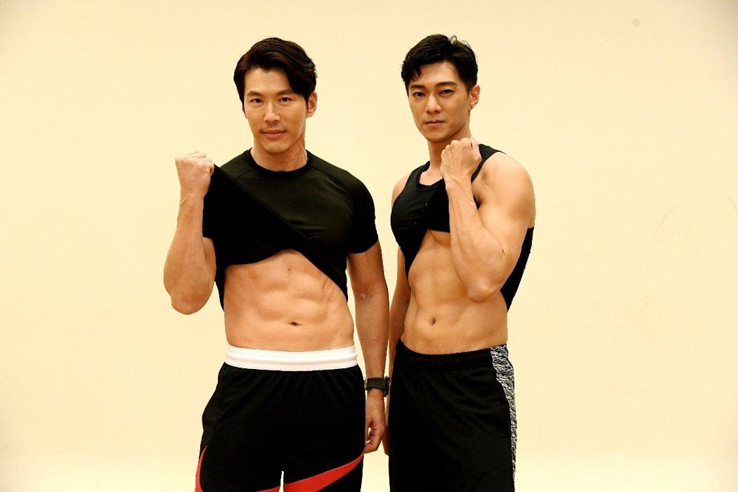 黃少祺(左)勤練健身防疫。圖/三立提供