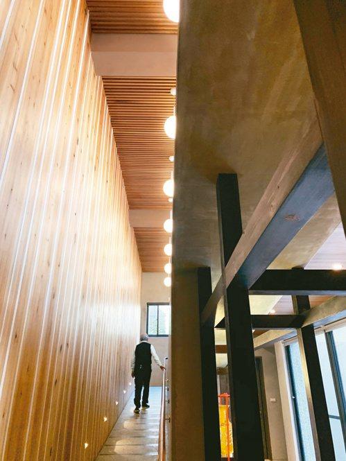 曹汶龍醫師的住家以無障礙坡道取代電梯。記者吳貞瑩/攝影