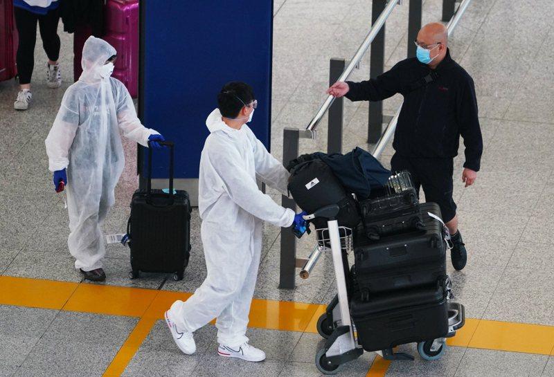 港增48確診中6源頭不明,為社區爆發凶兆。 中國新聞社