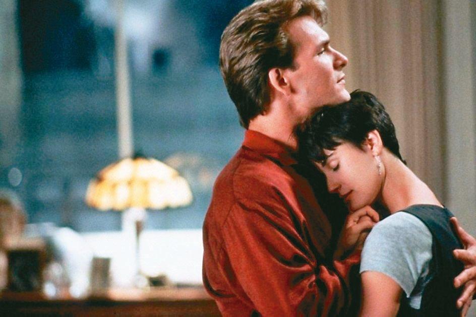 派屈克史威茲、黛咪摩爾當年在「第六感生死戀」的愛情對手戲非常感人。 圖/捷傑電影