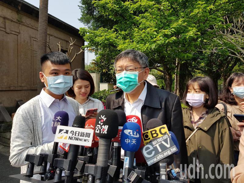台北市長柯文哲今早到自來水園區參加「飲水思源頭」影片首映會並受訪。記者翁浩然/攝影