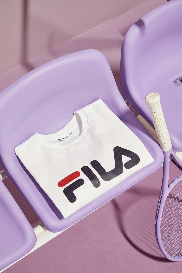 FILA x BTS防彈少年團白色T恤1,280元。圖/FILA提供