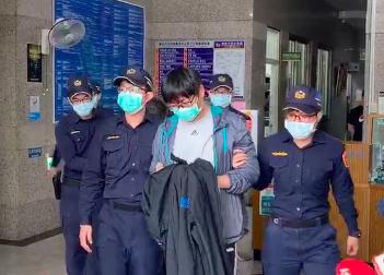 34歲繆姓男子近日涉嫌在台北市文山區開設賭場,今天凌晨連同20名賭客被警方一舉查獲。記者李隆揆/翻攝