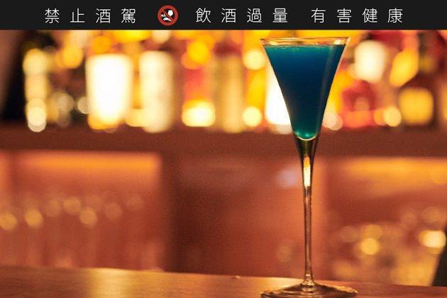 館內供應有烈酒、香檳、雞尾酒等不同酒飲。圖/取自Bar Hotel 箱根香山官網...