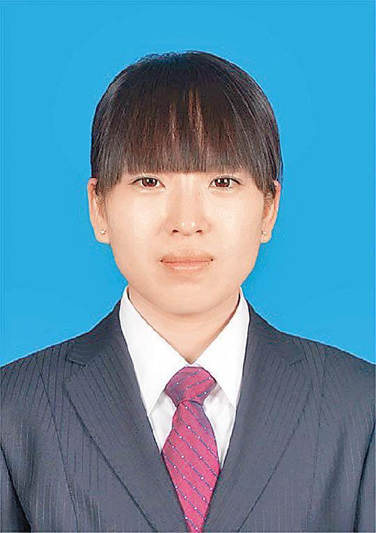 內蒙古鄂爾多斯中心醫院爆出一名女醫師日前準備為一名腎衰竭病人透析時,突遭對方持刀捅傷,目前仍在該院重症監護病房(ICU)搶救。  截圖自鄂爾多斯中心醫院官網
