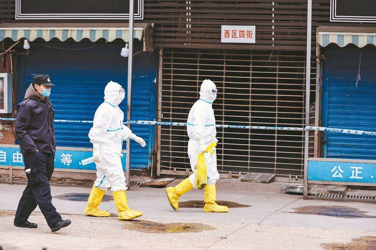 武漢的華南海鮮市場是最早傳出新冠肺炎的地點。 美聯社