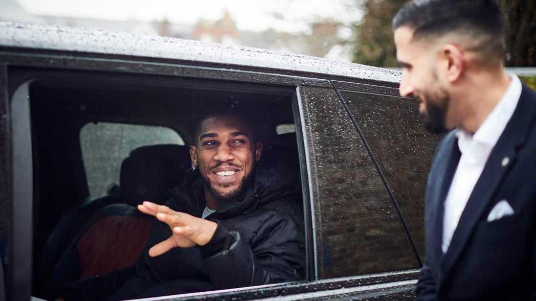 英國拳王入主英國豪華休旅車。 圖/Land Rover提供