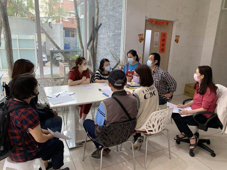 台南市衛生局邀請護理之家業者協商防疫。圖/衛生局提供