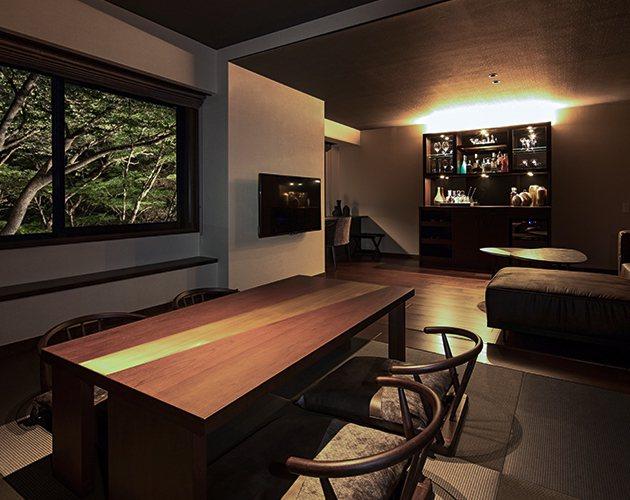 客房內維持一貫的成熟設計語調。圖/取自Bar Hotel 箱根香山官網