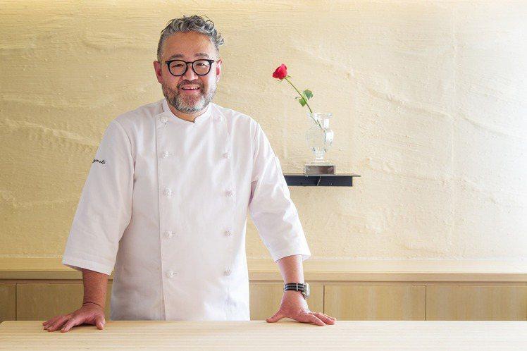 以創意手法著稱的Chef Hiroki。圖/取自Sushiyoshi Taipe...