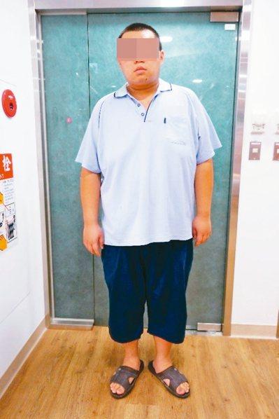 24歲林先生減肥中,當時體重從191公斤減至150公斤。 圖/彰化基督教醫院提供
