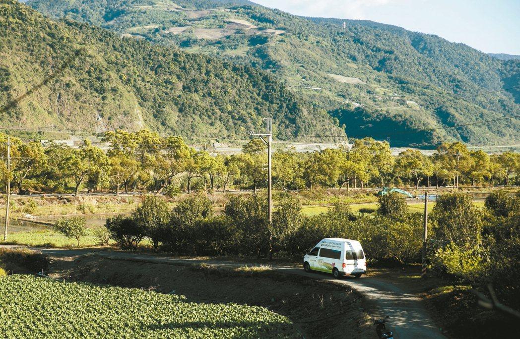 梨山具豐富觀光資源,卻因交通資源不足充滿許多問題。 記者曾原信/攝影