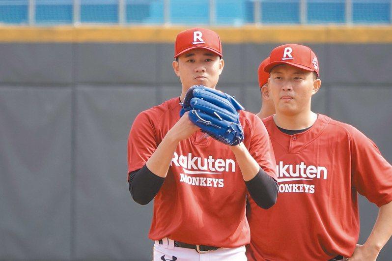桃猿隊黃子鵬(左)。 本報資料照片