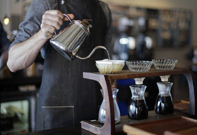 手沖咖啡示意圖。 美聯社
