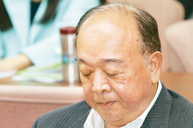國民黨立委吳斯懷在書面質詢認為共軍軍機繞台,法理上不能算是挑釁,引發爭議。 記者林伯東/攝影