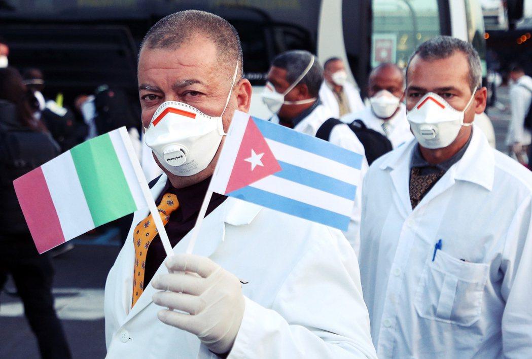 已進入「全國鎖國」狀態的古巴,境內目前僅只通報有35人確診1人死亡;但在過去數周...