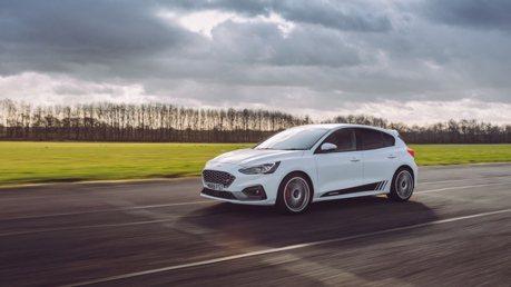 影/Ford Focus ST想升級50匹馬力嗎? 手機就能切換動力!