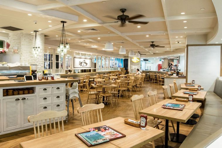 新加坡烏節路購物區的餐廳幾乎沒有客人。法新社
