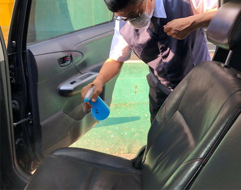 台南市今起啟動防疫計程車。圖/交通局提供