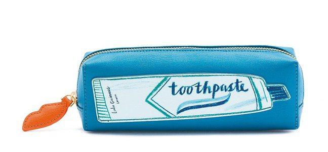 牙膏筆袋,3,780元。 圖/LULU GUINNESS提供