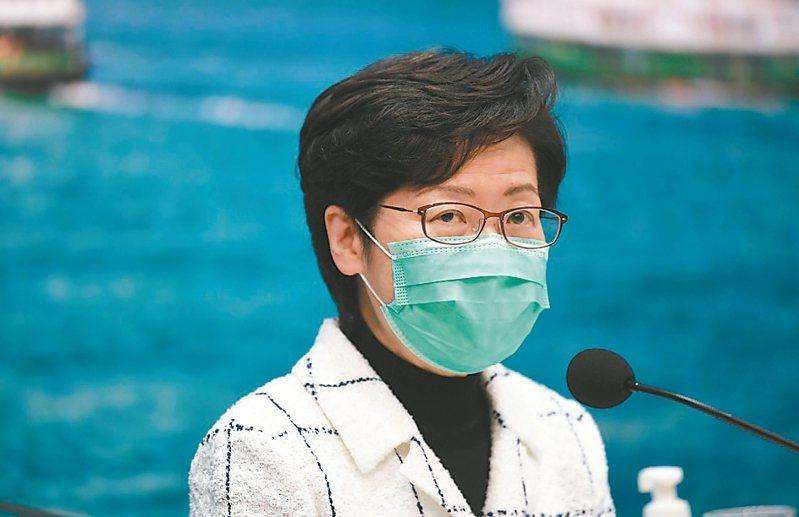 林鄭月娥宣布,25日淩晨起,所有非香港居民不准從香港國際機場入境,規定為期14天。 中新社