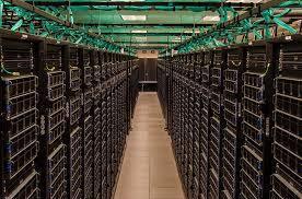 政府單位與IBM等公司合作,授權研究人員使用16台超級電腦進行資料運算,期望找出對抗新冠肺炎的疫苗。(取自臉書)