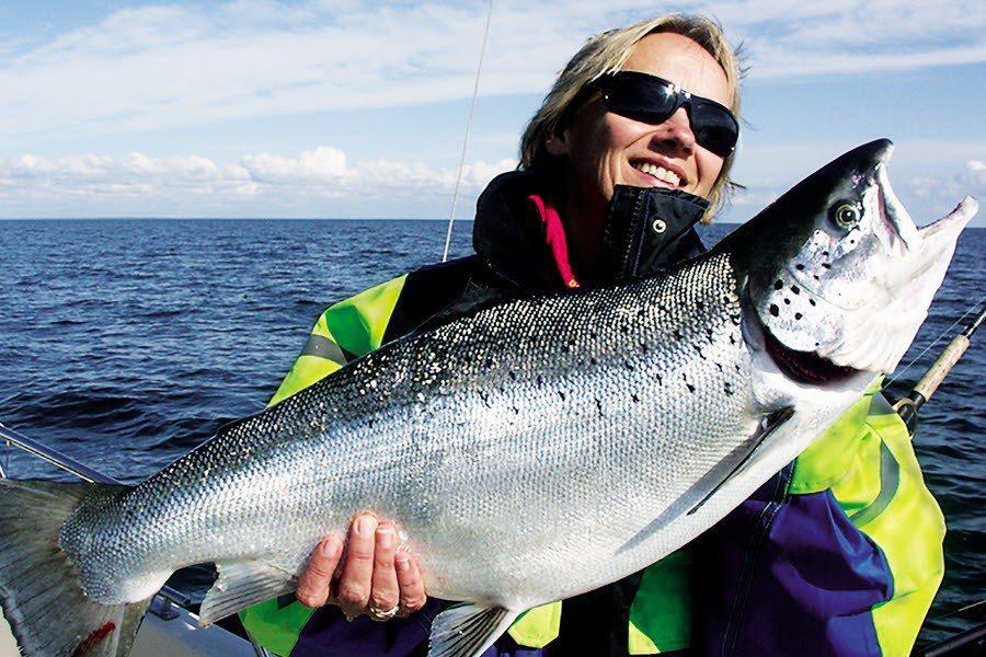 大西洋鮭魚與北歐當地文化有很深的連結,許多當地人都有釣鮭魚的經驗。 圖/取自West Sweden網站