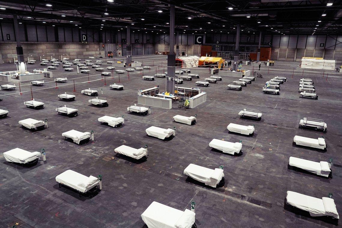 圖為「馬德里展覽中心」(Ifema)。由於西班牙疫情狀況還在上漲,政府已委由軍方...