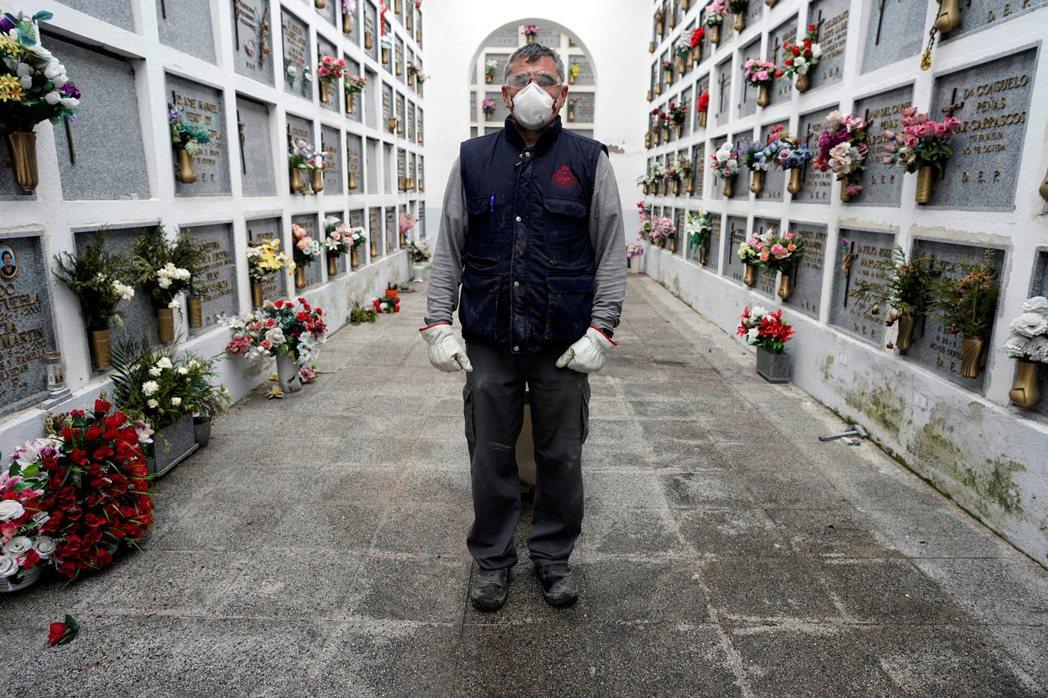 西班牙《新聞報》也表示,近期各地的大批病死者中,有大量狀況是出現在「長照中心」的...