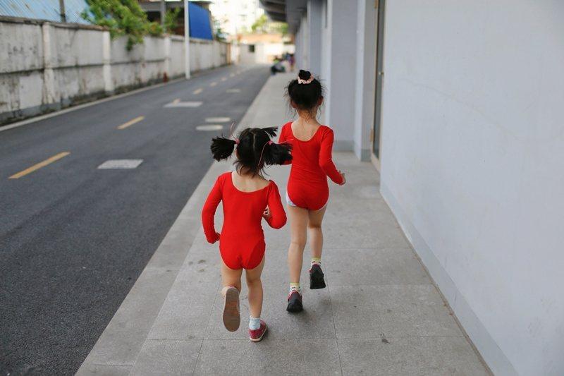線上未成年/孩童性影像犯罪已是全球關注的網路世代新興議題。示意圖。 圖/路透社