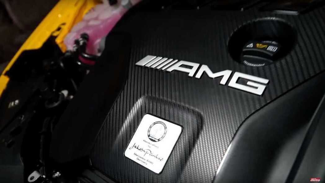 M139的2.0升四缸渦輪增壓引擎能榨出421匹的馬力。 摘自Motor1